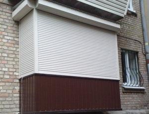 Рольставни на балкон: виды, преимущества, монтаж.